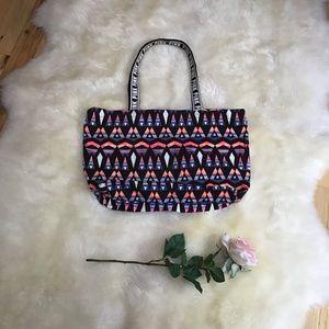 ❣️HP❣️Victoria Secrets PINK large Aztec tote bag